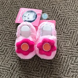 0-6 mos Slippers NWT
